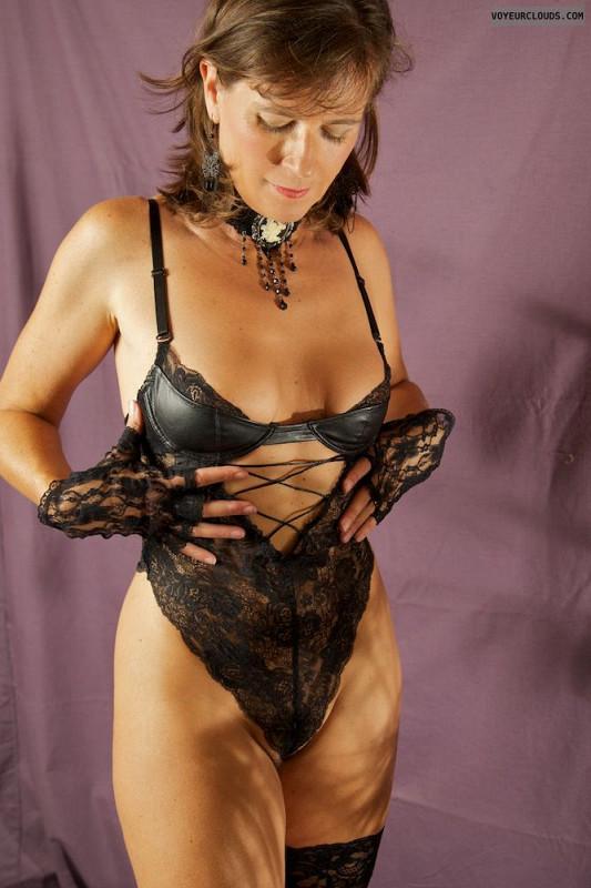 alexis knapp nude tits