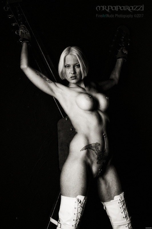 raveena tandon hot bikini naked