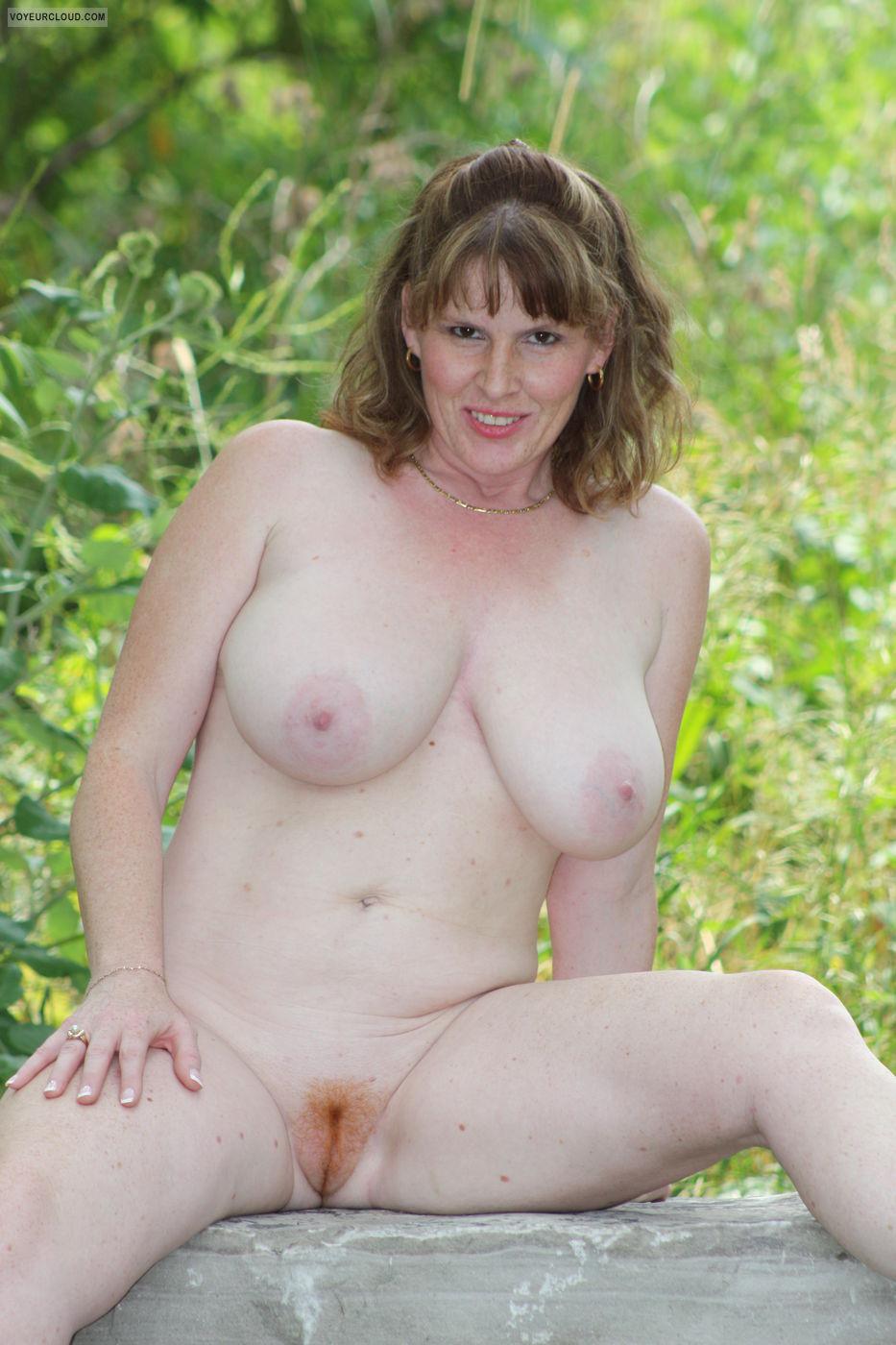 lisajane in the forest erotic amateur art