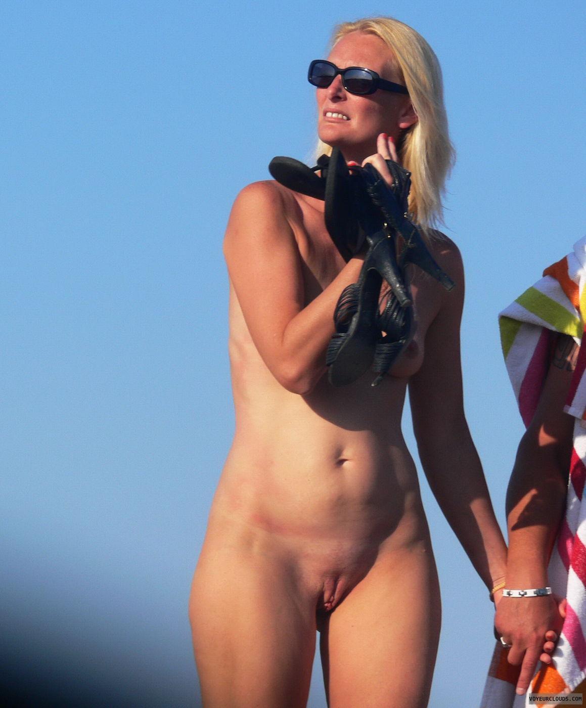 Walking on nude beach