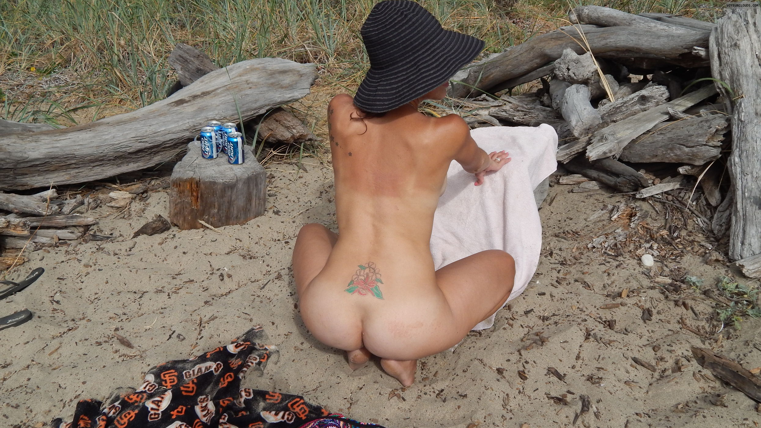 Beach jerk off