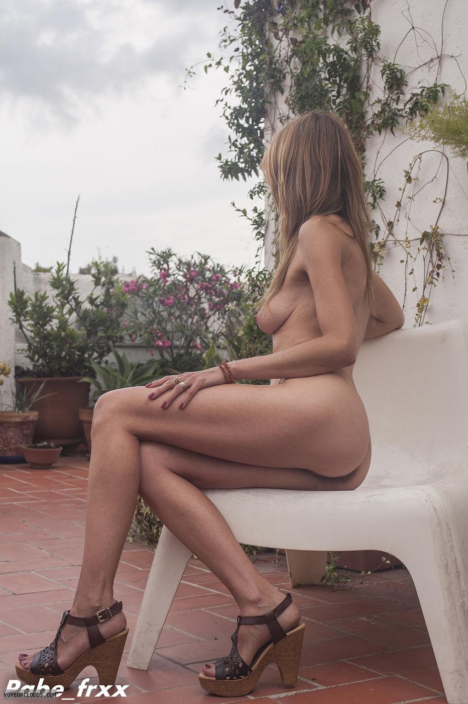 nude in public ter vid jpg 1500x1000